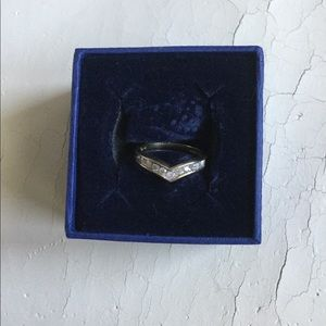 Women's diamond and gold ring
